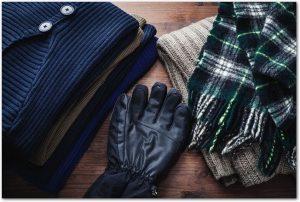 マフラーやセーターなどのメンズの冬物